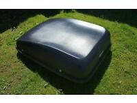 *** Large Halfords roof box with all fittings and key ***