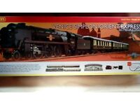 Hornby Venice simplon-orient express train set
