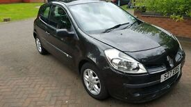 Renault Clio 1.5 DCI 2006 black (starting problem but start and drive).