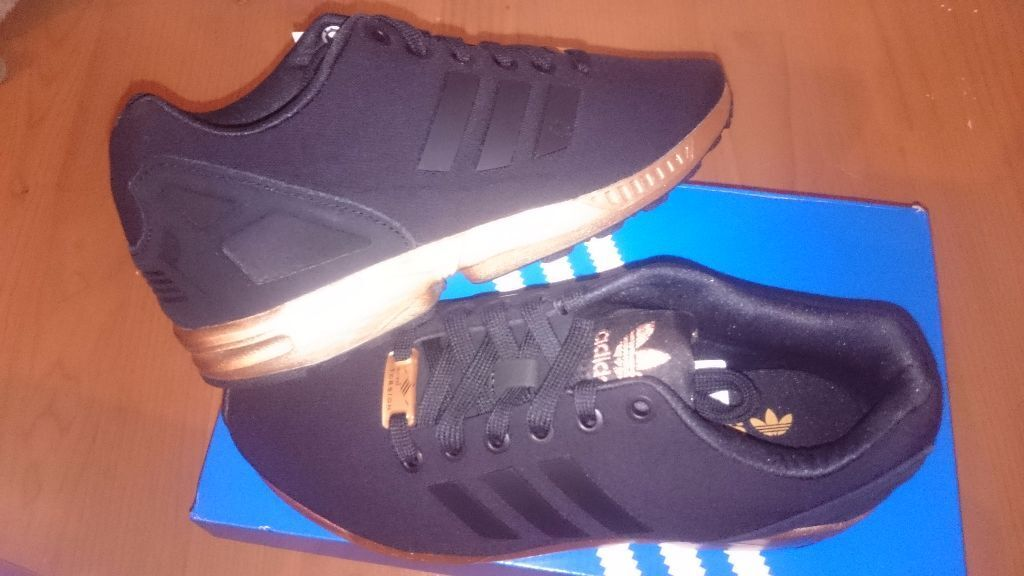 black adidas trainers size 5