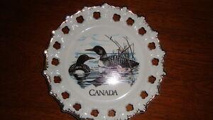 2 SOUVENIR PLATES Cornwall Ontario image 2