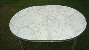 RETRO ARBORITE TABLE----PRICE REDUCED!