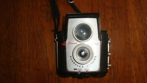 OLD  and ANTIQUE CAMERAS Cornwall Ontario image 3