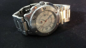Beautiful Genuine Tommy Hilfiger Heavy Mens Watch Silver Excellent Condition Working Perfectly