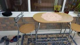 Small table+2 chairs