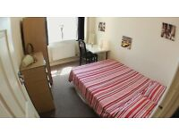 Double ensuite room in East Finchley, Cheap!!! Couples welcome