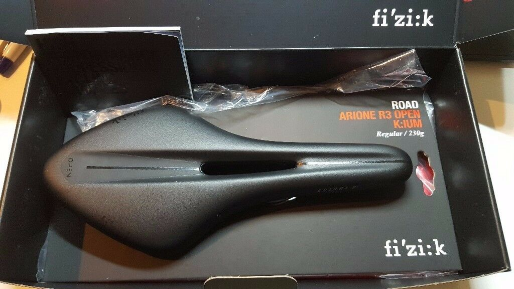 Fizik Arione R3 Open Saddle Regular - NEW