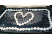 Fresh water cultured pearl necklace / bracelet