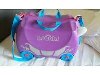 Girls trunki (suitcase )