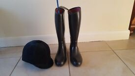 Riding boots, hat and crop