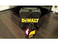 DEWALT 2 WAY SELF LEVELLING LASER LEVEL