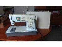Singer Sewing Machine (Zig Zag model 476, circa 1970)