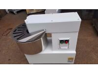 COMMERCIAL CATERING 20LITRE DOUGH MIXER BAKERY PIZZA DOUGH MIXER MADE IN ITALY FOR BAKERY PIZZA