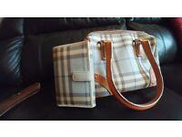 Burberry designer real bag plus purses