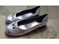 Size 6.5 silver leather ladies shoes