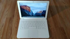 Macbook 2010 White Unibody laptop 1TB hard drive 8gb pro ram memory in excellent condition