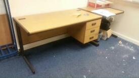 28 Straight office desks with drawers 160 x 80cm