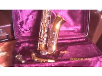 GERMAN ALTO SAXOPHONE by an EXCELLENT MANUFACTURER In MINT CONDITION with MOUTHPIECE & CASE