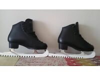 Like New Ice Skating boots, black, size 7 with blade guards