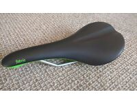 Fabric Scoop Shallow Bike Saddle Elite