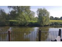 Holiday home for sale. Enviable River Front position. 2 Bedrooms, 2 bathrooms. Welford on Avon.