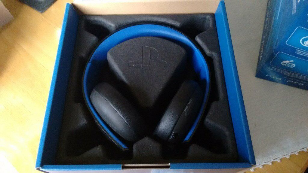 9e69d89e66e7 Sony PlayStation Wireless Stereo Headset 2.0 - Black (PS4 PS3 PS Vita) for  sale nearly new