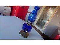 VINTAGE ORNATE BLUE BOWL & CHIMNEY PARAFFIN OIL LAMP RUSTIC HOME DECOR DISPLAY PROP HARDLY USED VGC