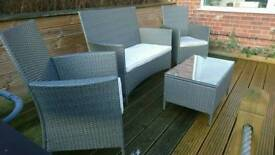 Outdoor patio set / Wicker effect / 4 piece / 1x Sofa 2x Chairs & Glass topped table