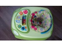 Baby walker - Chicco, excellent condition (all music and lights working)