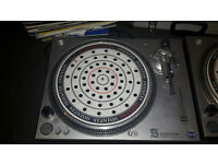 2 x Stanton STR8-60 Turntables and Vinyl