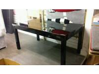 Dining table high gloss black excellent quality ex display can deliver