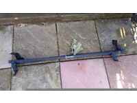 ROOF BARS 2 PAIRS FORD AND PEUGEOT ,,,,,DOCKING PE31