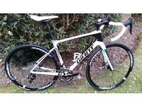 Giant Defy Advanced 2 (2016) - Great full carbon bike in perfect condition