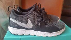 Nike SB men/boys trainer. Size UK 10, EU 45