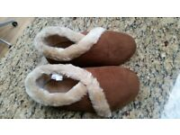 Quality slippers size 7 New unsued