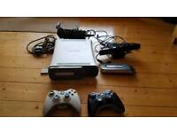 XBOX 360+28 GAMES+ 2PADS + EXTRAS