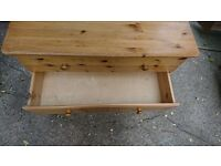 Beautiful Sturdy Oak Three Drawer Chest of Drawers EXCELLENT CONDITION- CAN BE DELIVERED TONIGHT