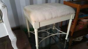 Oakville PIANO STOOL VANITY  DRESSING TABLE CHAIR 23x16x20h Shabby Chic style SOLID WOOD Padded Upholstery Off-white