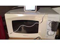 Daewoo white microwave