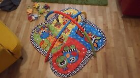 Baby playmat / baby gym