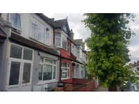 Large 3 bedroom flat split over 2 floors. HB and DSS accepted. 10mins walk to Tooting Rail / Tube