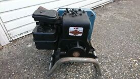 BRIGGS & STRATTON CLASSIC 4HP EASY SPIN 4CYCLE GENERATOR & ENGINE