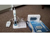 Used Braun Oral-B Triumph 5000 with Wireless Smart Guide (Collection only)