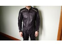 Mens Weise motorbike leather suit, jacket 42, trousers 32