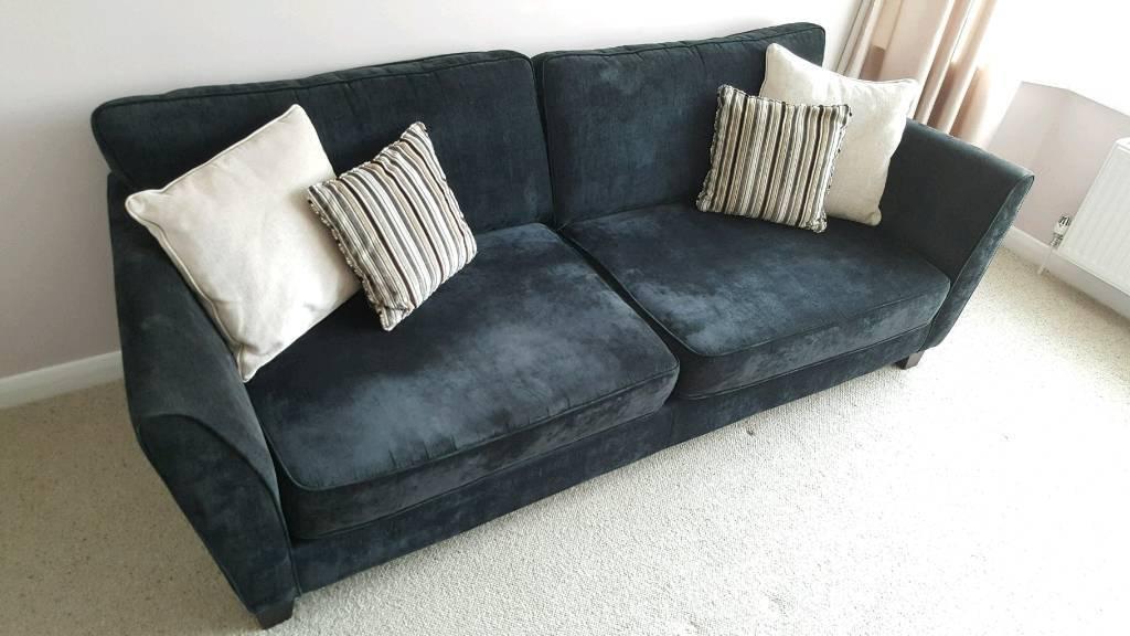 Sofas 4 + 2 in Black