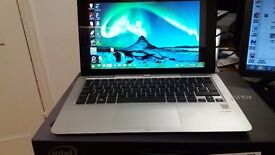 """ASUS T200TA-CP004H 11.6"""" TRANSFORMER PC/TABLET BOXED SUBERB CONDITION"""