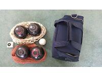 Taylor Lignoid size 2 lawn bowls & bag