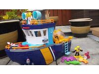Fisher Price Imaginext Ocean Boat. Comes complete with accessories.