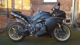 2009 Yamaha R1 Big Bang in excellent condition.