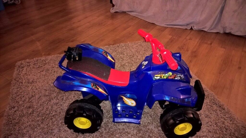 kids 3 + electric quad bike only used 3 times charger incl. also electric MINI CAR 3 + free ben 10